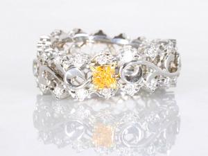 カラーダイヤモンドLuciole Collection 032