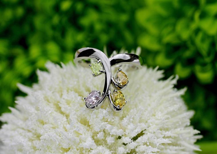 厳選した天然カラーダイヤモンドのまばゆい美しさ