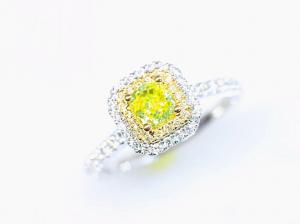 カラーダイヤモンドLuciole Collection 070