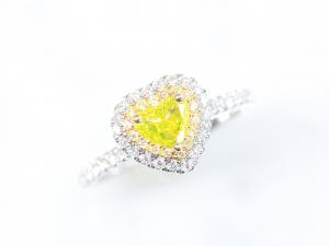 カラーダイヤモンドLuciole Collection 071