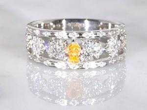 カラーダイヤモンドLuciole Collection 072