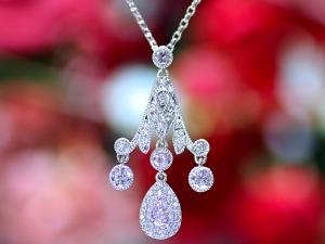 カラーダイヤモンドLuciole Collection 097