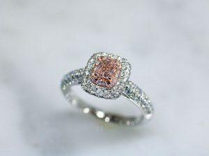カラーダイヤモンドLuciole Collection 091