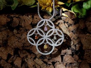カラーダイヤモンドLuciole Collection 142